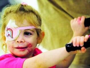 Victoria Wilcher, 3, que tem parte do rosto desfigurado