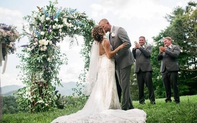 O casal conseguiu arrecadar 135 mil dólares em doações e, com isso, organizaram a cerimônia de casamento dos sonhos