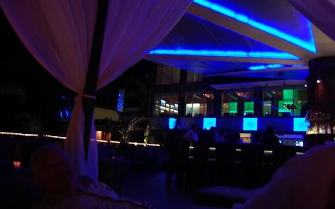 Baladas, bares e restaurantes agitam a vida noturna de um dos roteiros mais procurados do mundo