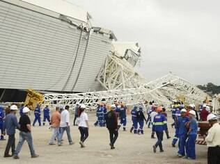 Estádios da Copa já somam 20 atrasos, e gastos de R$ 8 bilhões podem aumentar - Home - iG