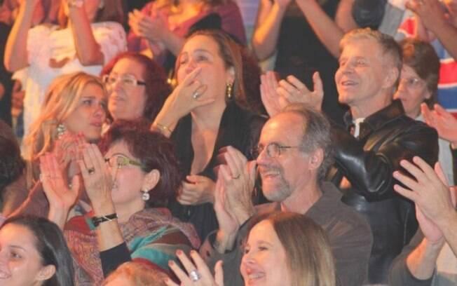 Carolina Dieckmann, Cláudia Jimenez e Miguel Falabella na plateia de