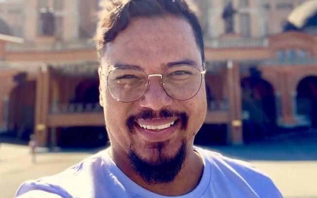 Bruno Cardoso, vocalista do Sorriso Maroto, foi diagnosticado recentemente com derrame pleural; entenda o que é