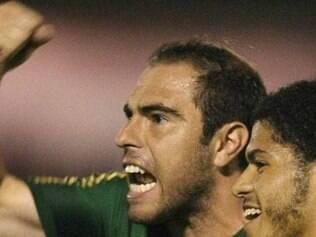 Bruno César comemora após gol marcado em vitória do Verdão na Copa do Brasil