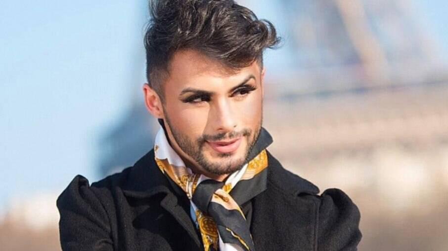 Agustin Fernandez é maquiador e digital influencer
