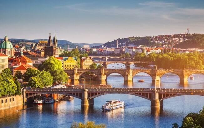 Praga, na República Tcheca, além de contar com promoções de passagens aéreas, possui um câmbio favorável