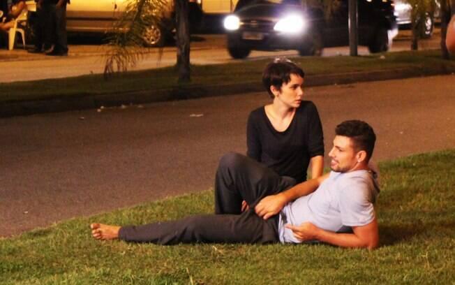 Cauã Reymond e Débora Falabella gravaram na noite dessa sexta-feira (6)