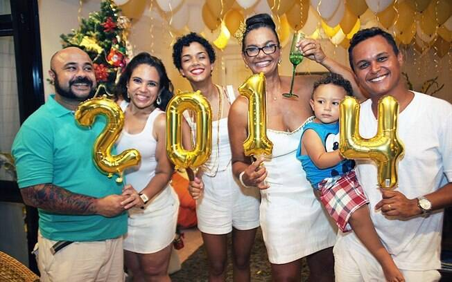 Solange Couto abre sua casa para festa de réveillon