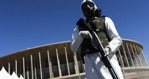 Exército simula ataque químico no Estádio Mané Garrincha em Brasília