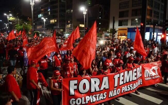 Resultado de imagem para manifestação na av. paulista contra temer