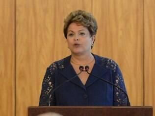 Dilma aposta em serenidade para encontrar responsável por queda de avião
