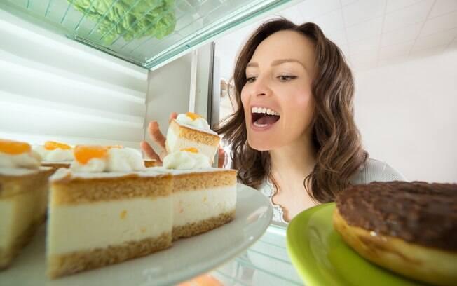 Algumas atitudes vão te ajudar a deixar hábitos ruins de lado, como exagerar nos doces