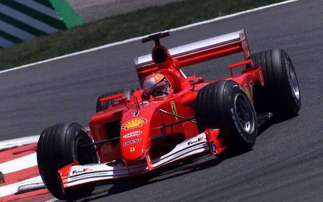 A Ferrari usada por Michael Schumacher em 2001, quando conquistou o quarto título mundial de F1, será leiloada
