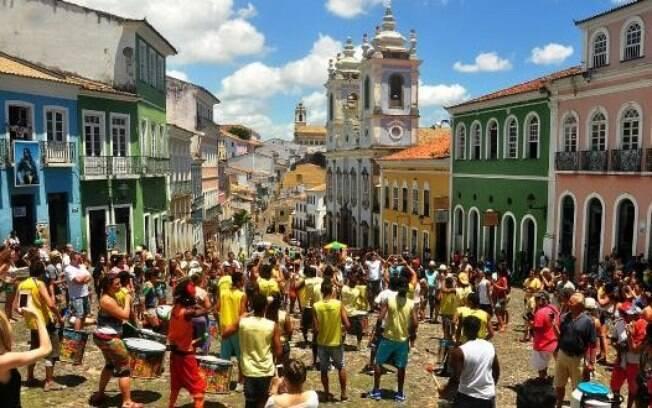 O Pelourinho é um verdadeiro cartão postal de Salvador com casarões, igrejas, lojas e restaurantes
