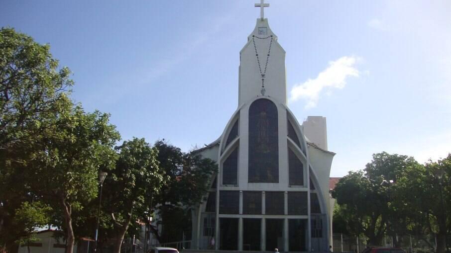 Vereadores de Fortaleza decidem que igrejas e templos religiosos são atividades essenciais