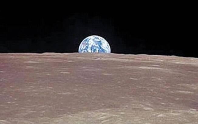 A ideia de múltiplos impactos contradiz a teoria mais acreditada até agora sobre a formação da Lua