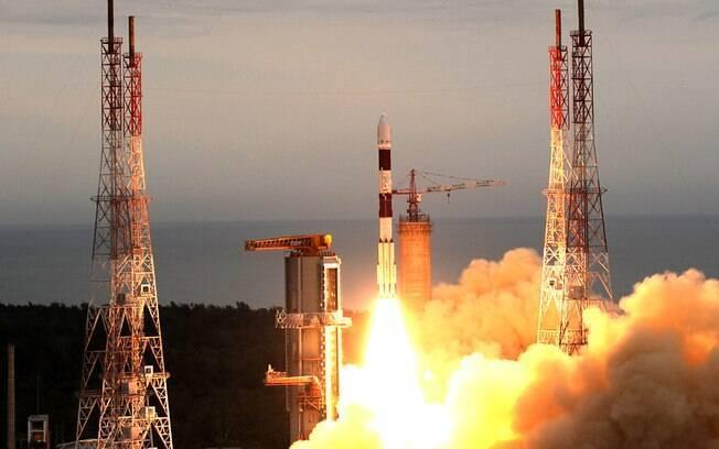 Até o momento, a ISRO já realizou 75 missões espaciais e outras 46 de lançamentos de foguetes e satélites