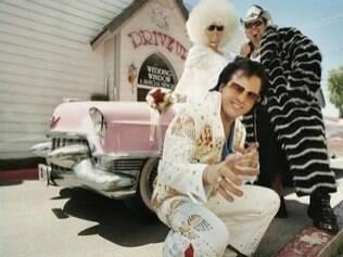 Sósias de personagens famosos, como Elvis, estão por todos os lados e fazme a alegria das crianças