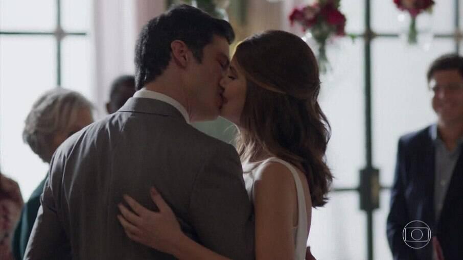 Eric e Luísa se casam na novela das 7