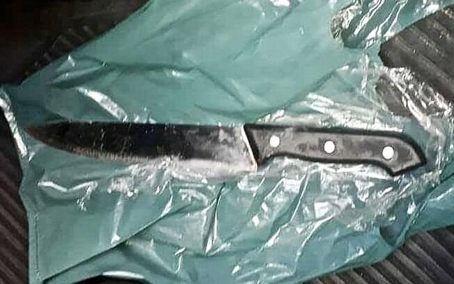 Faca com lâmina de 30cm usada por Adélio Bispo de Oliveira na tentativa de assassinato de Jair Bolsonaro