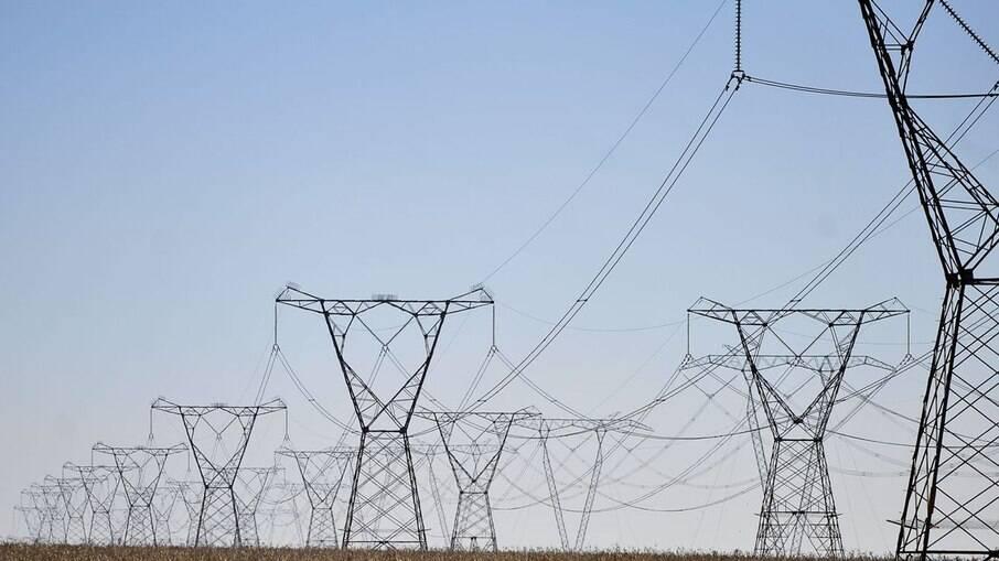 Governo pretende arrecadar R$ 16 bilhões com privatização da estatal e autorizou o BNDES iniciar estudos para viabilizar a venda