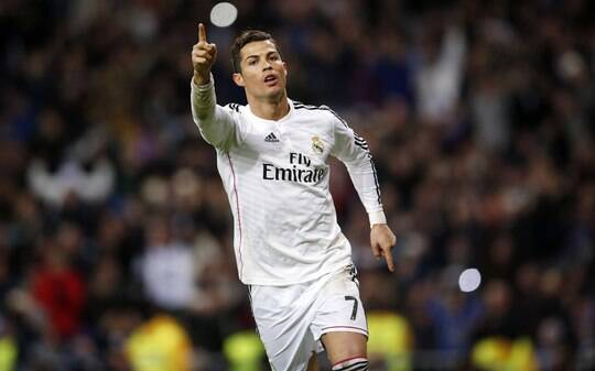 Cristiano Ronaldo é eleito melhor do ano por jornal inglês, e Neymar é sétimo - Futebol - iG