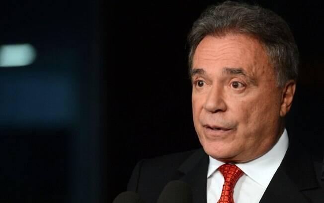 Alvaro Dias voltou a falar em