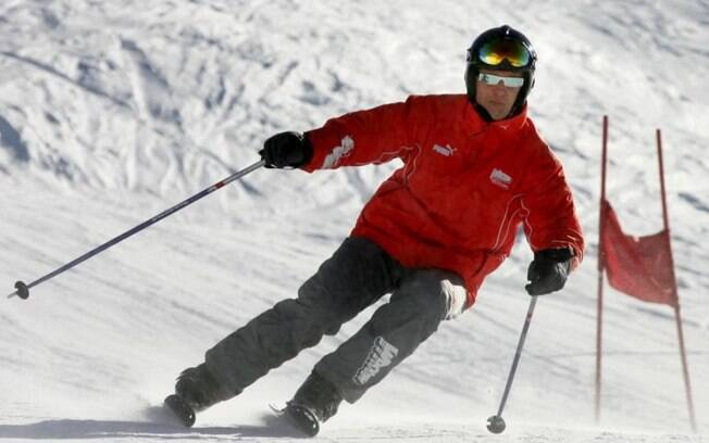Michael Schumacher durante uma das suas muitas aventuras de esqui