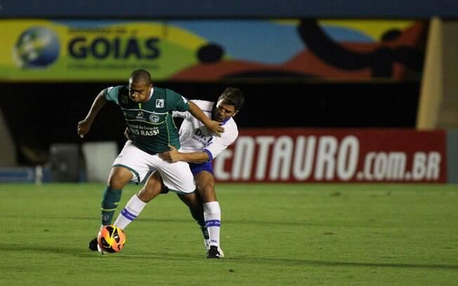 O atacante Walter é um destaque do Goiás para  a competição