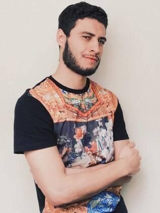 Danilo Novaes relata que piadas e comentários desagradáveis relacionados a gays são rotina