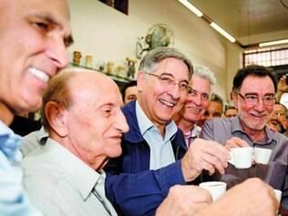 Fernando Pimentel tomou café em ponto tradicional da capital