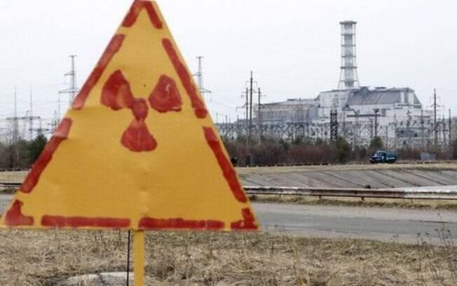 O fogo está a cerca de 2 quilômetros do local onde estão armazenados os resíduos mais perigosos da usina