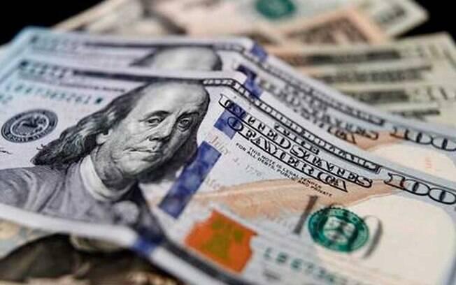 Dólar sobe atinge R$ 5,353