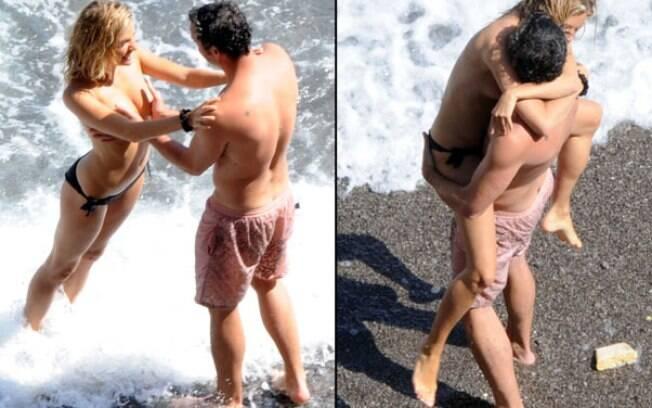Mais um flagra da atriz inglesa Sienna Miller fazendo topless na Itália