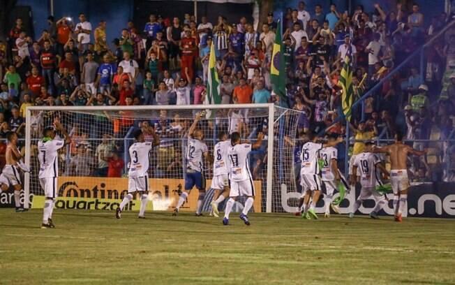 A Aparecidense fez 2 a 0 na Ponte Preta, em jogo atrasado da primeira rodada da Copa do Brasil, e enfrentará o Bragantino