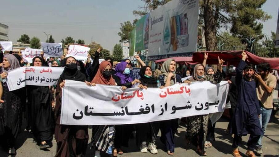 Mulheres protestam no Afeganistão