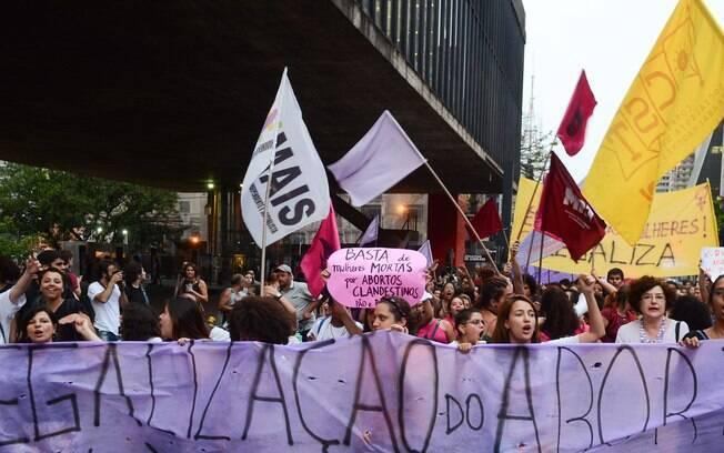 41% são contra o aborto em qualquer situação no Brasil, diz Datafolha