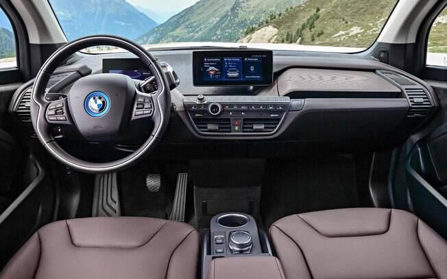 BMW i3 traz tecnologias de última geração, entre eles, equipamentos de conectividade e acabamento diferenciado
