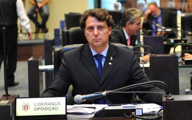 Em nota à imprensa, o deputado afirma que as prestações de contas estão disponíveis no Portal da Transparência e que foram aprovadas pela Assembleia Legislativa do Paraná