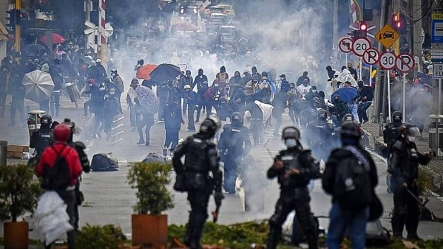 Protesto na Colômbia é marcado por forte repressão policial