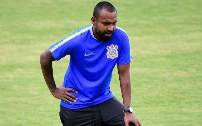 Coelho, ex-lateral do Corinthians