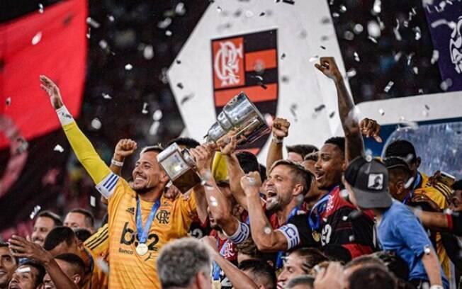 Após título da Taça Guanabara, jogadores do Flamengo celebraram na Sapucaí