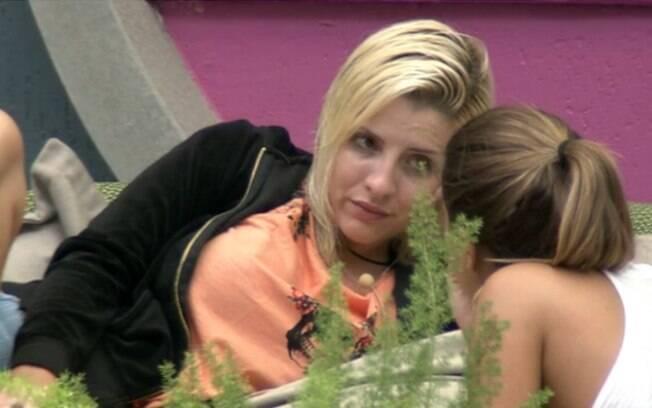 Clara revela que pode votar em Roni, Marcelo e Aline