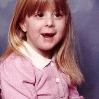 Jennifer Kaye aos 6 anos de idade. O pai, que é gay, não gostou nada de saber que a filha era lésbica