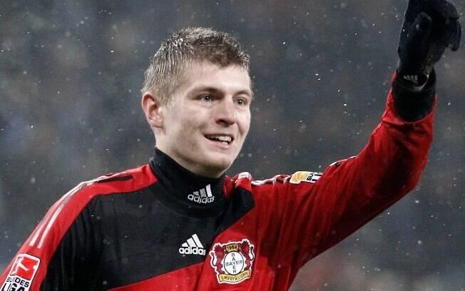 Toni Kroos - Revelado no Bayern de Munique,  passou uma temporada emprestado ao Bayer  Leverkusen, foi muito bem e teve que retornar aos  Bávaros