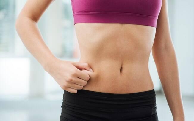 como acabar com a flacidez na barriga após os 50