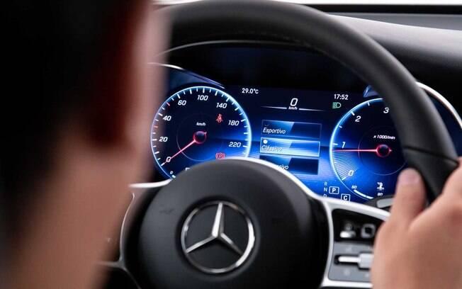Quadro de instrumentos do Mercedes GLC 220d é todo digital e configurável, entre as novidades