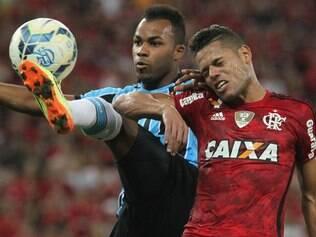 Não sobrou disputa e entrega dos jogadores no duelo entre Flamengo e Grêmio