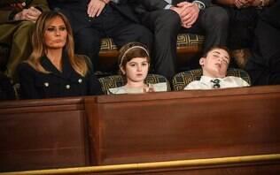 Convidado de Trump, menino dorme durante discurso e viraliza nas redes sociais