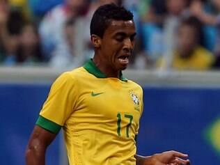 Volante da seleção fez um belo gol que fechou a goleada sobre a Austrália