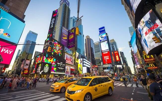Uma jornalista conta que, durante uma viagem a Nova York, em junho do ano passado, ficou trancada em um banheiro